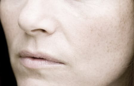 Lower part of woman´s face.